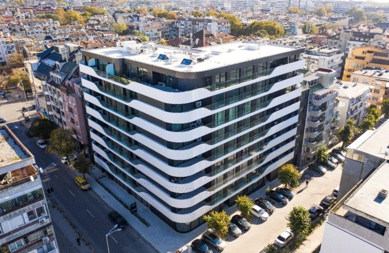 Varna, Bulgaria: a new residential building stands out for